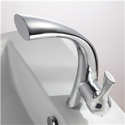 Versailles Lavatory Faucet - Chrome Finish
