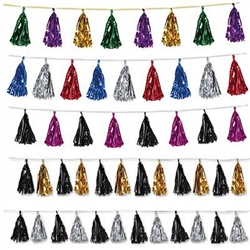Add some color and shine to your party with our Metallic Tassel Garland. We have plenty of colors to choose from, so make sure you take a look at each and every one before making your decision. Measures 8 feet in length. Comes one garland per package