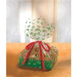 These green 8-inch treat trays come with beautifully printed cellophane bags featuring an all-over print of holly boughs. Ribbon ties are included as well. Perfect for cookies, cakes, and holiday pies. Each package contains two complete trays.