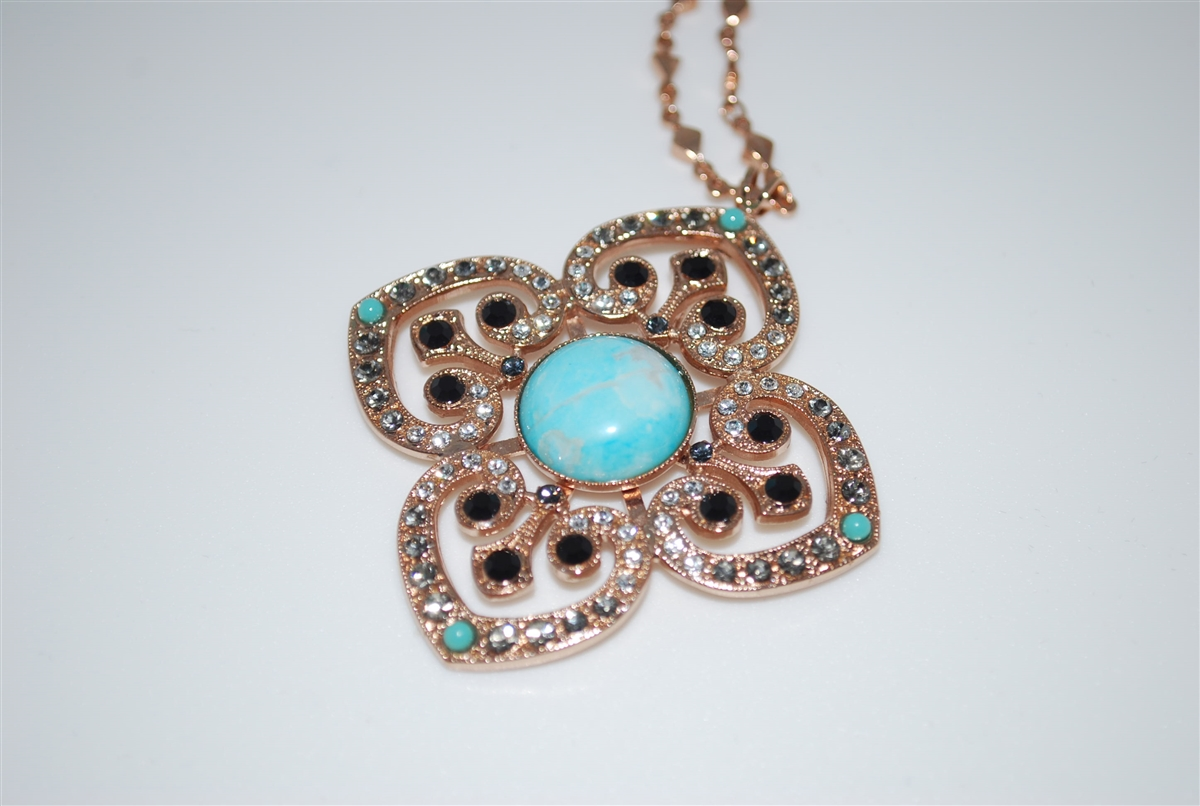 e3daaeb65 Mariana Clover Pendant with Swarovski Crystals from the Zanzibar Collection  and Rose Gold Plating