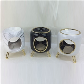 Round Ceramic Oil Burner With Gold Feet. 3 Assorted 11cm