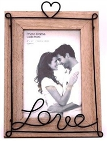 Wire Love Frame