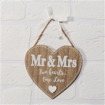 Love Story Mr And Mrs Heart Plaque 14cm SOLD IN 3's