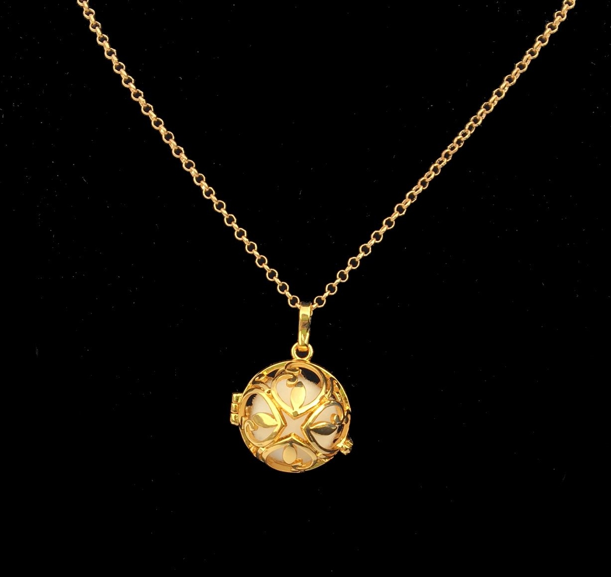 Aromatherapy diffuser necklace gold leaf purify skin therapy larger photo aloadofball Image collections