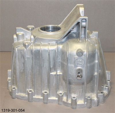 ZF S6-750 2wd Rear Housing 1319-301-054 - Ford Transmission Part