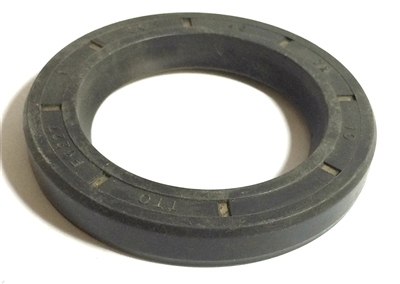 NV4500 Rear Seal GM with Bolt on Yoke, 18972, 17063 | Allstate Gear