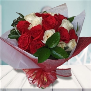 Bouquet red & white roses
