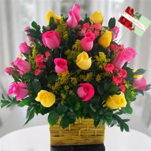 Pink and yellow roses arrangement