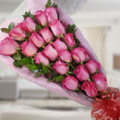 Bouquet of 24 pink roses