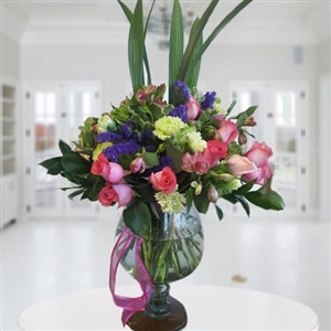 Mixed luxury flowers arrangement