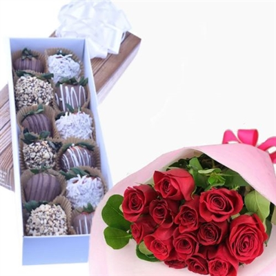 CHOCOLATE STRAWBERRIES BOX WITH BOUQUET