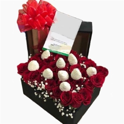 35 ROSES AND 10 STRAWBERRIES WITH CHOCOLATE