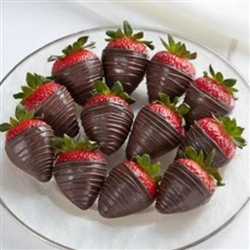 12 DARK CHOCOLATE STRAWBERRIES IN BOX