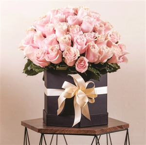 100 PINK ROSES IN BOX