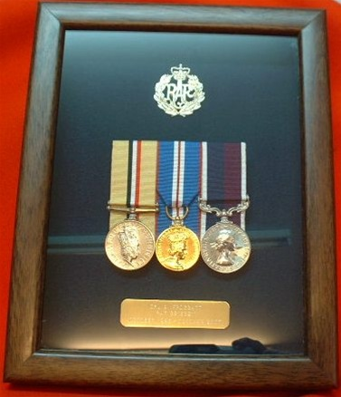 RAF Medals Frame ( Box Frame + RAF Badge + Plaque Presentation Case ...