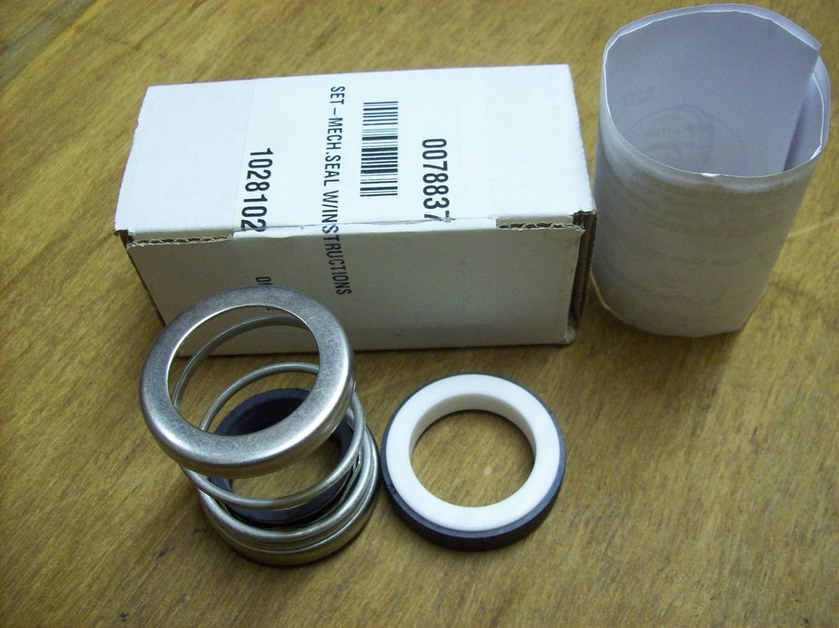 Wacker 2 pc Engine Side 38x38 Shockmounts for PT3 Trash Pumps 0119404 5000119404