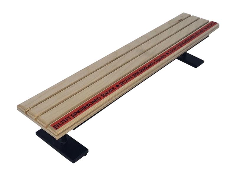 fingerboarding-street-bench