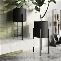 7975 - Jaxon Modern Black Planters (Set of 2)