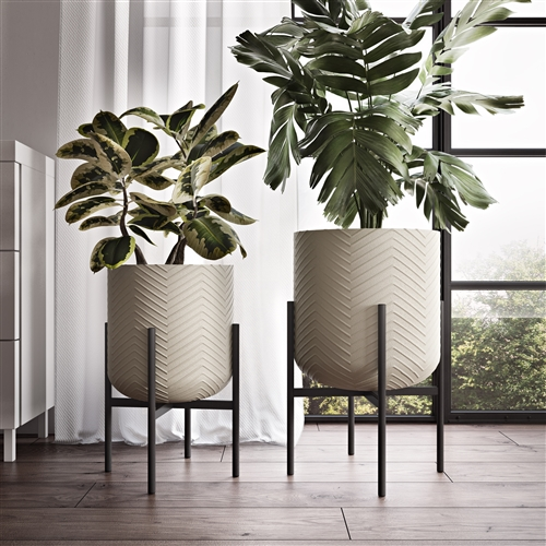 8170 - Quinn Large Modern Planters (Set of 2)