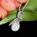 Clear rhinestone pendant necklace