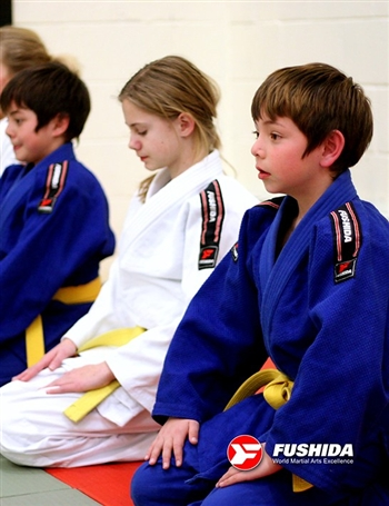 Fushida CLUB Medium Single Weave Judo Gi / Uniform