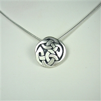 Small Interlace Circle Necklace