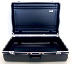 251709PR HEAVY-DUTY POLYETHYLENE CASE WITH PARALLEL RIB PATTERN WITHOUT FOAM
