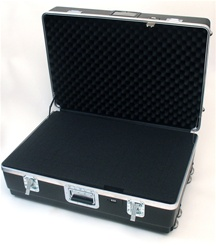 322211AH HEAVY-DUTY ATA CASE WITH WHEELS AND TELESCOPING HANDLE