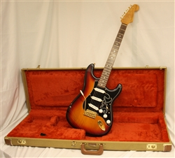 First Year 1992 Fender Stevie Ray Vaughn Signature Series Stratocaster - 3-color sunburst ( 1992)