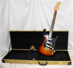 First Year 1992 Fender Stevie Ray Vaughn Stratocaster - 3-color sunburst ( 2005)